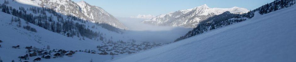 Sneeuw, pret en gelukkige gezinnen, in Malbun skiën jong en oud.